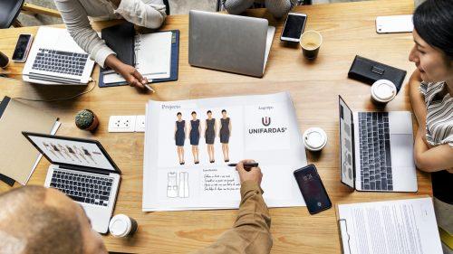 Reforço internacional no ramo do vestuário profissional