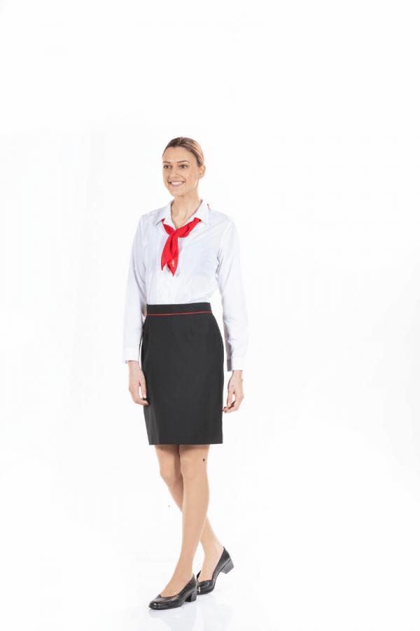 Blusas de trabalho femininas na cor branca para hotelaria e restauração