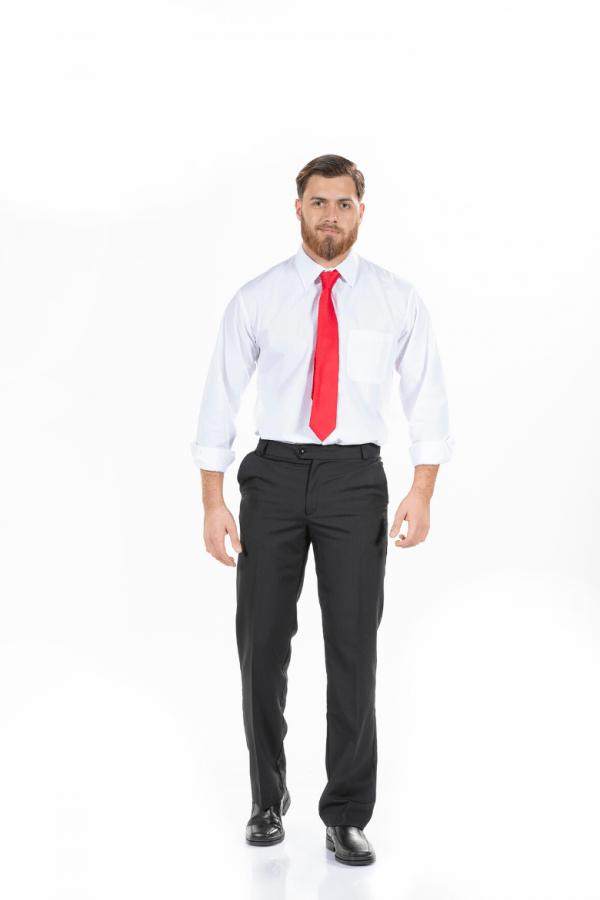 Homem com calças clássicas pretas para Uniforme Profissional