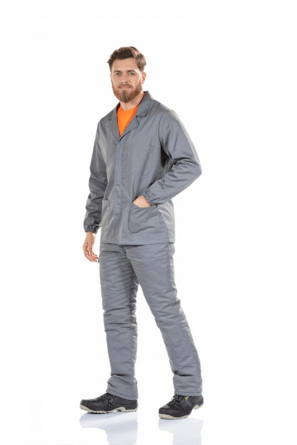 Homem com casaco cinzento de manga comprida para roupa de trabalho
