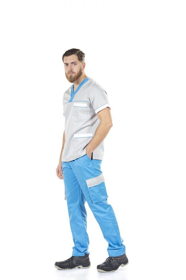 Homem vestido com uma túnica unissexo de trabalho para uniforme profissional