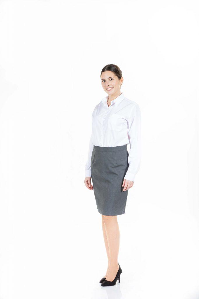 Saia e camisa branca de senhora para uniforme de trabalho