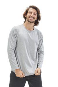 Homem vestido com longsleeve masculina para farda de saúde da marca HISI Collection
